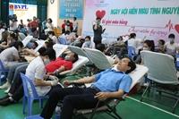 Gần 1 000 người lao động hiến máu trong những ngày dịch Covid-19