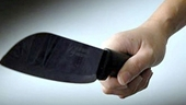 Nghi ông chủ yểm bùa , nam thanh niên dùng dao truy sát