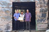 VKSND huyện Bù Đốp thăm tặng quà gia đình bị hỏa hoạn