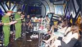 """24 nam, nữ quay cuồng trong """"tiệc"""" ma túy ở quán karaoke Phi Thuyền"""