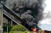 Cháy dữ dội tại Nhà máy xi măng Sông Đà Gia Lai