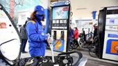 Xăng dầu đồng loạt giảm giá mạnh từ chiều nay