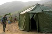 Hơn 10 000 cán bộ chiến sĩ nằm bạt, ngủ rừng để nhường chỗ cho người dân về cách ly