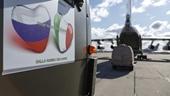Hàng viện trợ Nga đến Italy, Mỹ đưa 500 000 bộ xét nghiệm về nước