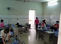 9 nữ công nhân mang thai cùng gần 100 đồng nghiệp phải nhập viện vì nghi ngộ độc