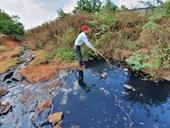Hãi hùng nước thải đen kịt, bốc mùi đầu độc người dân và hồ nước Ea Trum