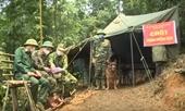 Lập chốt chặn trong rừng ngăn chặn người dân vượt biên trốn cách ly