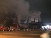 2 ông cháu chết thảm trong cửa hàng thiết bị ô tô bốc cháy