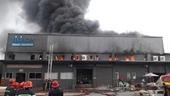 Điều tra nguyên nhân vụ cháy lớn ở kho hàng gần sân bay Tân Sơn Nhất