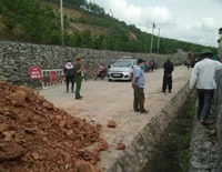 Quảng Ninh đổ đất chặn nhiều tuyến đường để ngăn dịch COVID-19