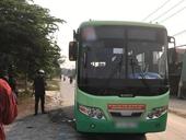 Nữ nhân viên xe buýt bị đâm tử vong Tài xế thoát hiểm trong gang tấc
