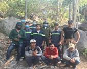 Công an giải cứu nhóm thanh niên bị lạc khi lên núi Chứa Chan hái hoa lan