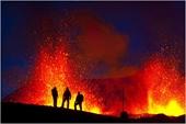 Cụm núi lửa ở bán đảo Reykjanes bất ngờ thức dậy sau hơn 800 năm ngủ yên