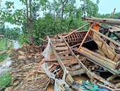 Lục Yên - Yên Bái Nhiều nhà sập đổ do mưa to và dông lốc
