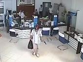 Tên cướp nổ súng tại một ngân hàng ở Hà Nội ra đầu thú