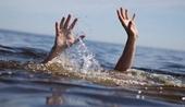 Bố mẹ đi làm, 3 chị em họ chết đuối thương tâm dưới hồ nước