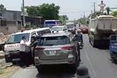 Xử phạt tài xế cản trở xe cấp cứu đang chở bệnh nhân