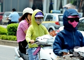 Nắng nóng gay gắt tiếp tục bao trùm Bắc và Trung Bộ, chỉ số tia UV ở mức gây hại cao