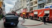 Sau tiếng nổ, quán cơm gà trên đường Hai Bà Trưng bốc cháy