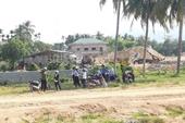 Chánh án TAND huyện ngăn cản phóng viên tác nghiệp vì chưa có thẻ Nhà báo