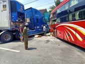 Người phụ nữ về thăm quê chết oan ức khi Container đối đầu xe khách