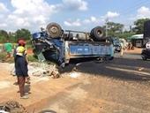 Xe tải đang lùi, gây tai nạn liên hoàn, 1 người chết, 3 người bị thương