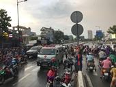 Xe rác cán chết người, giao thông hỗn loạn giờ cao điểm