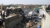 Máy bay Pakistan chở gần 100 hành khách rơi ở Karachi