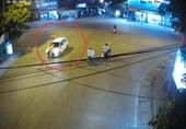 CLIP Hãi hùng cảnh tượng tài xế ô tô hất văng CSGT lên nắp capo rồi bỏ chạy