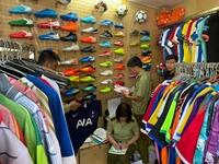 Hàng ngàn sản phẩm nghi giả nhãn hiệu Adidas và Manchester Uniter Limiter