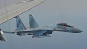 Máy bay tuần thám P-8 Poseidon Mỹ phát hoảng khi bị 2 Su-35 Nga kẹp nách