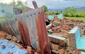 Lốc xoáy đầu mùa, hơn 100 nhà dân bị sập, tốc mái