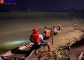 Tìm kiếm thi thể nam sinh bị đuối nước trên sông Yên
