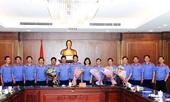 Phó Viện trưởng Nguyễn Huy Tiến gặp mặt cán bộ nghỉ công tác hưởng chế độ hưu trí