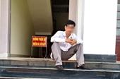 Người đàn ông nghi tự tử trong TAND tỉnh Bình Phước