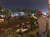 Người đàn ông bất ngờ lao vào đoàn tàu hỏa đang chạy