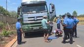 Thanh tra giao thông bị đe dọa để thả xe vi phạm
