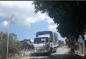 """Ai """"bảo kê"""" cho xe quá tải tung hoành tại cù lao Tân Phú Đông"""
