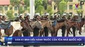 Dàn kỵ binh diễu hành trước cửa tòa nhà Quốc hội