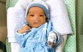 Hành trình kỳ diệu trở về từ cõi chết của bé sơ sinh bị bỏ rơi 3 ngày dưới hố ga