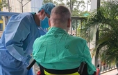 Phi công người Anh nhiễm COVID-19 sắp hồi hương