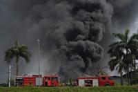 Yêu cầu đo, công khai nồng độ hóa chất vụ cháy ở Long Biên