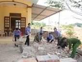 Viện kiểm sát, Công an huyện Hương Sơn giúp dân xây dựng nông thôn mới