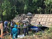 Vụ xe bị lật khiến 5 người chết, hàng chục người bị thương Lời kể của nạn nhân