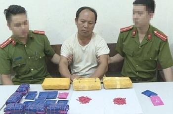 Sơn La bắt đối tượng vận chuyển 30.000 viên ma túy