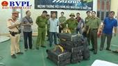 NÓNG Nổ nhiều phát súng bắt giữ hai đối tượng vận chuyển 200kg ma túy đá