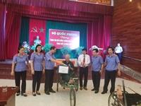 VKSND tối cao thăm và tặng quà tại Trung tâm Điều dưỡng thương binh Thuận Thành