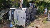 Hình ảnh thảm khốc vụ tai nạn trong chuyến đi họp lớp