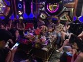 Kiểm tra quán karaoke Hollywood, phát hiện 21 nam thanh nữ tú dương tính với ma túy