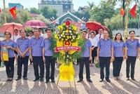 VKSND TP Vinh dâng hương tưởng niệm các anh hùng liệt sĩ